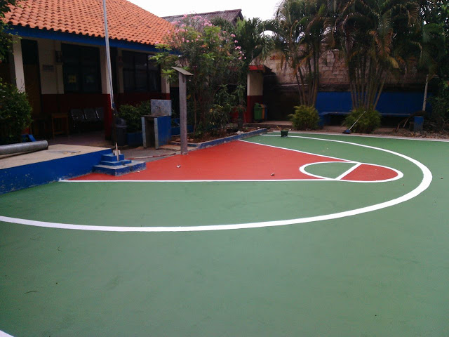 Cat Lapangan Basket